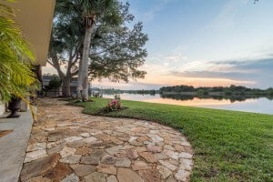 2884 JOHN ANDERSON Drive Luxury riverfront homes